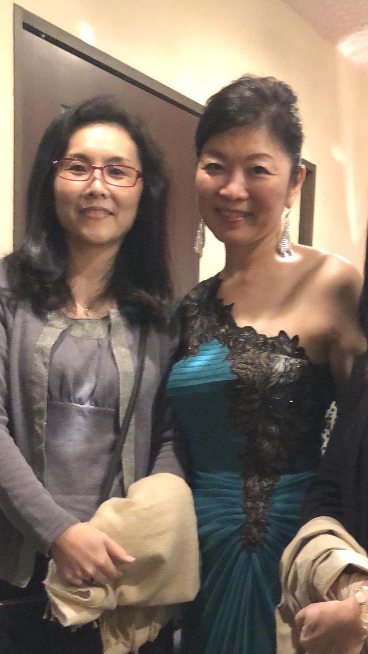 バイオリンやシャンソンとマナー教室の先生(シン・セシア)